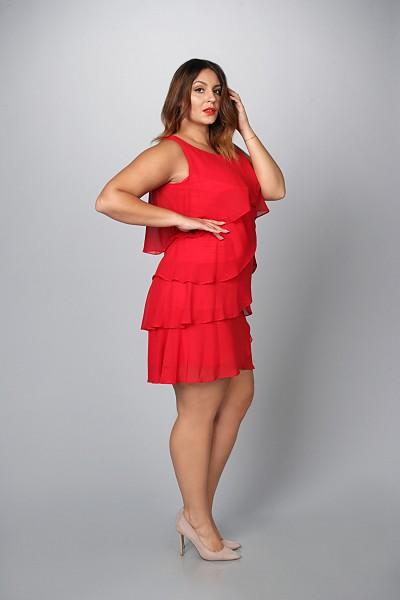 82c5b2c6b9 Sukienki trapezowe duże rozmiary o uniwersalnym i ponadczasowym kroju  pasują praktycznie do każdego typu sylwetki. Wąskie w ramionach
